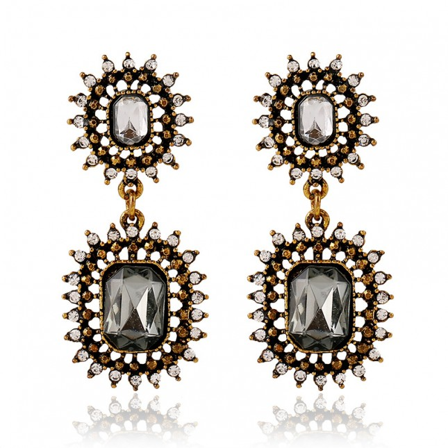 Daisy Black Dangle Earrings