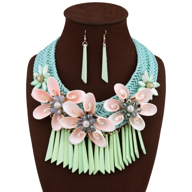Green Flower Beads Necklace Earrings