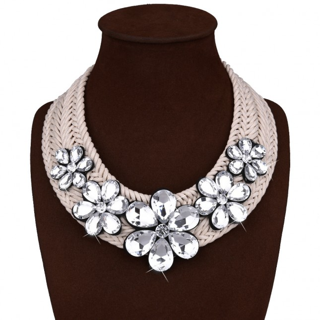 Beige Large Flower Rhinestones Necklace